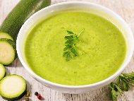 Рецепта Супа от тиквички с топено сирене, рикота (извара) и копър